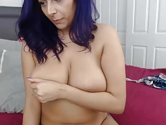 thick lady with big tits and blue hair